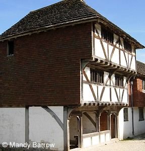 introduction to tudor houses tudor windows what were tudor houses