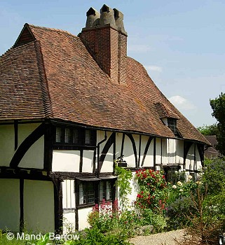 Tudor homes of the rich for Homes for the rich